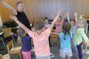 https://www.musikschule-steisslingen.de/wp-content/uploads/2019/03/Elementar_1-300x200.jpg